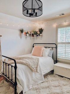 Cute Bedroom Decor, Room Ideas Bedroom, Small Room Bedroom, Glam Bedroom, Small Rooms, Boho Teen Bedroom, Decor Room, Cute Teen Bedrooms, Bedroom Inspo