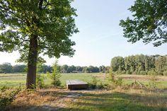 Mobilier bois. Parc urbain.  http://www.landezine.com/index.php/2014/10/umfassungweg-at-twickel-estate-by-michael-van-gessel/umfassungweg_twickel_estate-michael_van_gessel-04/