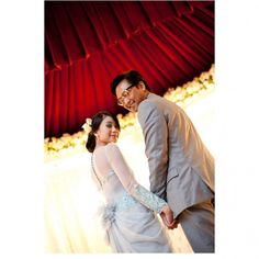 Wedding Photographers : Farid Ariffin Photography  #Reception #Modern #Indoor