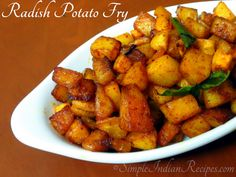 Vegetarian Side Dishes, Vegetarian Chili, Easy Indian Recipes, Ethnic Recipes, Fried Potatoes, Stir Fry, Potato Fry, Fries, Vegetables