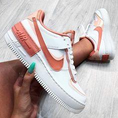 Air Max 95, Nike Shoes Air Force, Air Force Sneakers, Tenis Vans, Reebok, Balenciaga, Cute Sneakers, Sneakers Nike, Aesthetic Shoes