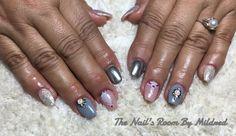Everybody deserves beautiful nails ☺️ Acrylic overlay, @aoranails silver pigment, crystals & @vetro_international @vetro_usa gel details #uñas #uñasdecoradas #uñasacrilicas #nails #nailart #acrylic #notpolish #glitter #sparckly #chromenails #shinynails #handpaintednailart #crystals #coffinnails #greynails #nudenails #nailpromote #nailpro #nailprodogy #nailsmagazine #nailditdaily #NAILDIT💅