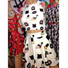 Купить товарRaisevern летняя мода стиль 2 шт. набор женщины обрезать сверху и юбка повседневная emoji женщины костюмы черный лак для ногтей печати мини юбки в категории Комплекты для женщинна AliExpress.      дорогой покупатель:   стоимость заказа более $7 в одном заказе, мы пошлем China post Зарегистрированной Воздушной П
