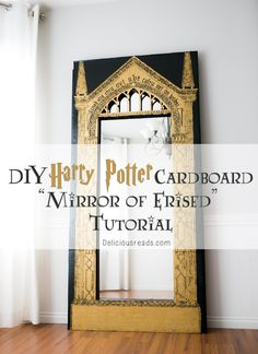 How to make your own DIY Harry Potter Cardboard MIRROR OF ERISED as a photo opportunity for your next party! The post has great step by step instructions and templates and you HAVE to see the adorable Harry Potter babies at the end! Via Delicious Reads Baby Harry Potter, Harry Potter Mirror, Objet Harry Potter, Harry Potter Thema, Harry Potter Fiesta, Cumpleaños Harry Potter, Harry Potter Nursery, Harry Potter Classroom, Harry Potter Wedding