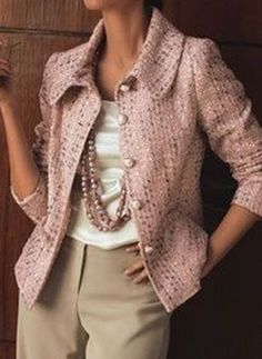 French fashion, classic style PLUS: softened tweed for subtle texture MINUS: contrasting buttons, slightly large collar Over 50 Womens Fashion, Fashion Over 50, Work Fashion, Fashion Advice, Fashion Looks, Fashion Top, Chanel Fashion, Fashion Women, Mode Outfits