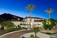 """The Great One """"Wayne Gretzky"""" Lists Scottsdale Mediterranean Pad for 3.39 Million, Sells for $2.875 Million"""