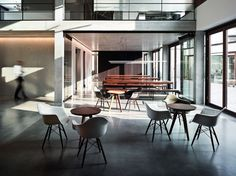 Office Building - Picture gallery
