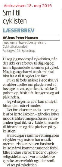Lidt overraskende affødte dette indlæg hele tre indlæg, hvor der blev slået til lyd for, at cyklister naturligvis med ringeklokken bør advare fodgængere. Det sikreste vil dog altid være, at fodgængeren går mod trafikken når dette er muligt.
