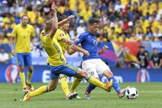 Italy's midfielder Emanuele #Giaccherini (R) and Sweden's midfielder Sebastian Larsson and Sweden's midfielder Albin Ekdal vie for the ball during the Euro 2016 group E football match between Italy and Sweden at the Stadium Municipal in Toulouse on June 17, 2016.  / AFP / JONATHAN NACKSTRAND #Seb