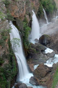Türkiye'nin en yüksek şelalesi Ciro, en görkemlisi Tortum - Seyahat Haberleri Historical Artifacts, Beautiful Waterfalls, Outdoor Landscaping, Future Travel, Holiday Travel, Beautiful World, Natural Beauty, Travel Destinations, Places To Go