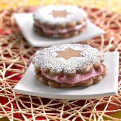 Gingerbread Whoopies with Cranberries Xmas Food, Christmas Baking, Cranberries, Gingerbread, Warm, Cookies, Desserts, Recipes, Crack Crackers