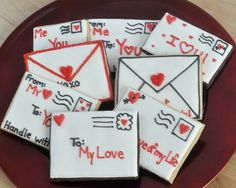 Envelope and Love Note Cookies. Sugar Cookies for Valentine's Day. Valentines Day Cookies, Valentines Gifts For Boyfriend, Valentine Cookies, Easter Cookies, Happy Valentines Day, Valentine Gifts, Summer Cookies, Birthday Cookies, Kids Valentines