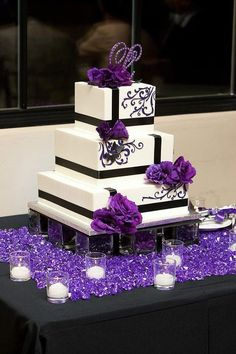 Featured Photographer: Ken kato Photography; Elegant black and purple detailed white square wedding cake