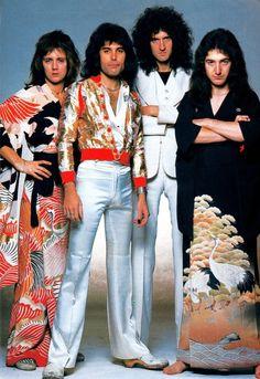 roger taylor, freddie mercury, brian may, and john deacon John Deacon, Queen Photos, Queen Pictures, Queen Love, Save The Queen, Rock Queen, Bryan May, Queen Aesthetic, Roger Taylor