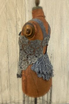 faded prairie couture. Love the back. Would be a neat idea on the back of a denim jacket.