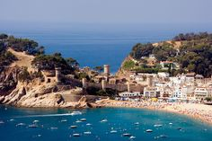 Girona airport transfers- We offer airport transfer from Girona airport to Costa Brava, Barcelona Ciutadella Menorca, Ronda Malaga, Costa, Carcassonne, Beaux Villages, Hotels, Spain Travel, Day Trip, Vacation Trips