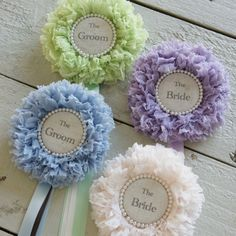 Hair Ornaments, Christmas Tree Ornaments, Creative Crafts, Diy And Crafts, Halloween Costume Awards, Ribbons Galore, Ribbon Rosettes, Party Props, Fabric Jewelry