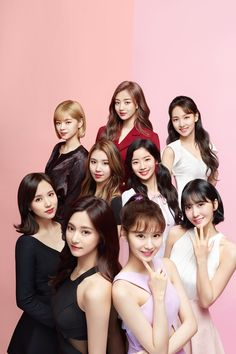 TWICE x Acuvue® Define® hits Singapore with 9 unique beauty signatures! Nayeon, Kpop Girl Groups, Korean Girl Groups, Kpop Girls, Bts And Twice, Twice Wallpaper, Bts K Pop, Signal Twice, Oppa Gangnam Style