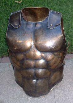 bronze musculata by Ugo-Serrano Helmet Armor, Arm Armor, Ancient Armor, Medieval Armor, Greek Warrior, Armor Clothing, Armadura Medieval, Roman Sculpture, Roman Soldiers