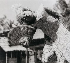 Walter Spies A young Bainese Legong dancer from Bedulu, 1936.
