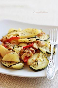 ARABESKA II: Piersi z kurczaka pieczone z warzywami Zucchini, Vegetables, Food, Diet, Veggies, Essen, Vegetable Recipes, Yemek, Squashes