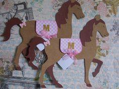 Convite cavalinho country personalizado e pronto. Craft com azul ou rosa. Valor unitário. Medidas: 17 x 21cm Solicite alterações.