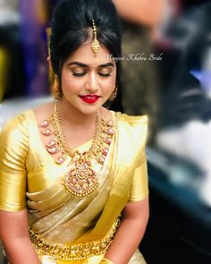 The Art Of Styling Sarees With Bold Antique Necklace Saree Blouse Neck Designs, Bridal Blouse Designs, Indian Gold Jewellery Design, Indian Jewelry, Jewellery Designs, Jewelry Patterns, Necklace Designs, Bridal Jewelry, Gold Jewelry