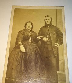 Antique Victorian American Older Fashion Style Couple! Big Lady! Old CDV Photo!
