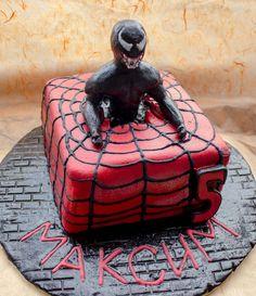 Spiderman Venom cake:
