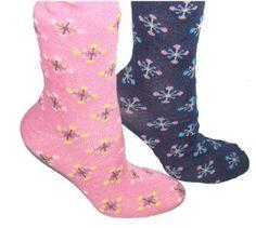 Lot of 3 Pairs Womens Snow Flake Pattern Crew Fashion Socks , 9-11, Grey / Aqua / Brown Mamia. $5.99