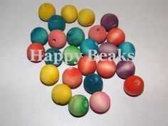 Bird-Toy-Large-Coloured-Wooden-Ball-Beads-Happy-Beaks
