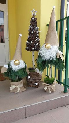 the best designs simple christmas decorations ideas for holiday 10 Rustic Christmas, Christmas Art, Christmas Projects, Simple Christmas, Christmas Holidays, Christmas Wreaths, Christmas Ornaments, Easy Christmas Decorations, Christmas Centerpieces