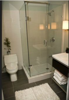 HGTV Income Property S4, Ep 11: Glass Shower Surround for a Small Bath | Air date: May 16, 2011