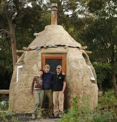 Earthbag Dome in Nine Days « Retreat Plans Cob Building, Green Building, Build Your Own Cabin, Earth Bag Homes, Earthy Home Decor, Underground Homes, Tadelakt, Natural Homes, Natural Building