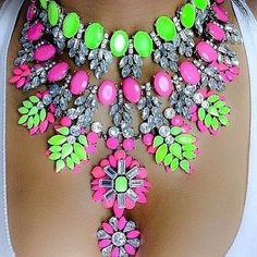 Neon Fashion Necklace《♡》I love this and the neon colors! Neon Jewelry, Fashion Necklace, Fashion Jewelry, Diy Jewelry, Women Accessories, Jewelry Accessories, Fashion Accessories, Maxi Collar, Stud Earrings