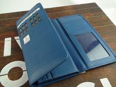 Doctor Who 2.0 Tardis Wallet