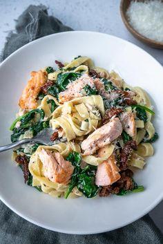 Quick Recipes, Healthy Dinner Recipes, Pasta Recipes, Diet Recipes, Tagliatelle Recipes, Carbonara Recept, Easy Meals, Food And Drink, Favorite Recipes