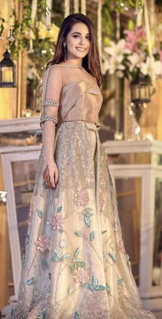 Cutipieanu fashion in 2019 pakistani dresses, pakistani bridal. Pakistani Wedding Outfits, Pakistani Dresses, Indian Dresses, Indian Outfits, Party Wear Dresses, 15 Dresses, Fashion Dresses, Formal Dresses, Stylish Dresses
