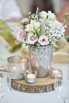 Pastel pink wedding flowers | Image by Awardweddings
