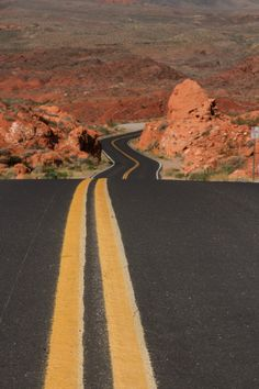Valley of Fire State Park, Nevada U.S. by: Wim Kok