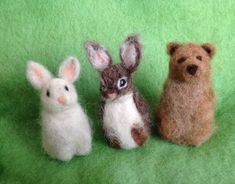 Needle felt finger puppet, Bunny Rabbit, Waldorf All wool fingerpuppet. Fun for storytelling and creative play. The bunny is also freestanding. Wool Needle Felting, Needle Felting Tutorials, Needle Felted Animals, Felt Animals, Felt Bunny, Felt Cat, Bunny Rabbit, Felt Puppets, Felt Finger Puppets