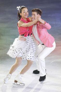 アイスショー「THE ICE」の愛知公演で、カップル演技を見せる浅田真央(左)とジェフリー・バトル=24日 (300×450) 「浅田真央とバトルのペア結成!?」 http://headlines.yahoo.co.jp/hl?a=20130724-00000003-spnavip-spo.view-000