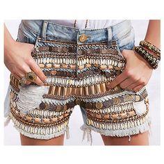 Favorito de todas as estações - short bordado! Porque o verão pede uma peça que complemente o look! ⚓️ #annefernandesAlMare
