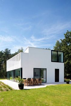 Best Ideas For Modern House Design : – Picture : – Description House in Balen, Belgium by dhoore vanweert architecten Building Structure, Building A House, Building Concept, Unique House Design, Modern Design, Architecture Details, Interior Architecture, Architecture Board, Small Modern Home