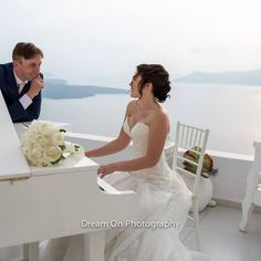Wedding in Santorini with Piano melodies!