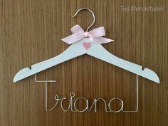 Percha infantil Triana Clothes Hanger, Personalized Hangers, Personalized Gifts, Coat Hanger, Clothes Hangers, Clothes Racks