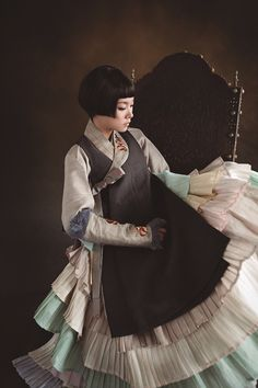Fusion 한복 Hanbok / Traditional Korean dress / Design by Hanbok Lynn Korean Traditional Clothes, Traditional Fashion, Traditional Dresses, Korean Dress, Korean Outfits, Oriental Fashion, Asian Fashion, Modern Hanbok, Korean Design