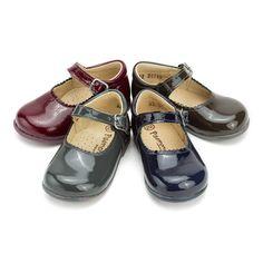 a8679d3330873 Chaussures babies en cuir verni avec fermeture à boucle pour petites filles  – chaussures pour petites
