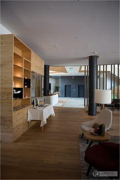 Lobby and bar at Falkensteiner Hotel in Schladming, Austria – Wellness Hotel Österreich by Falkensteiner - #wellness #hotel #austria