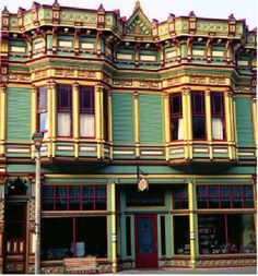 This beautiful commercial Victorian building is painted in a triadic color scheme of deep red, yellow and blue-green. Such highly complex color combinations require careful planning and a sophisticated understanding of color.